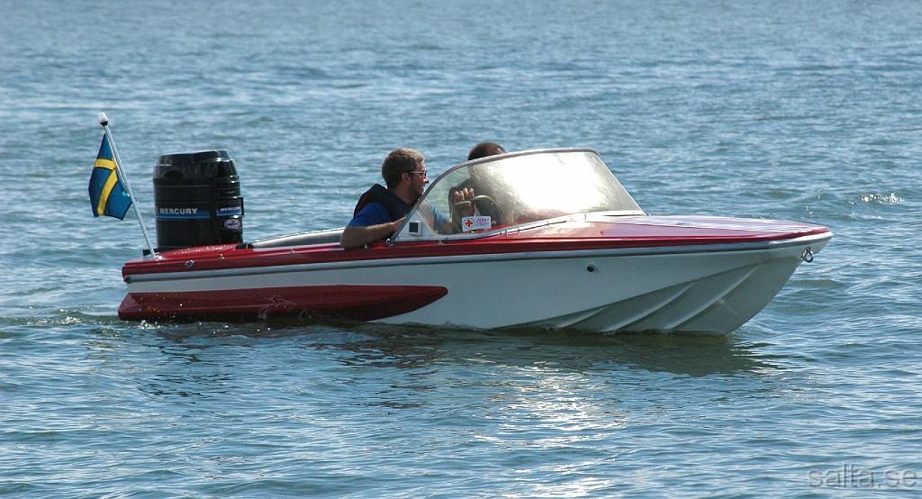 liten motorbåt
